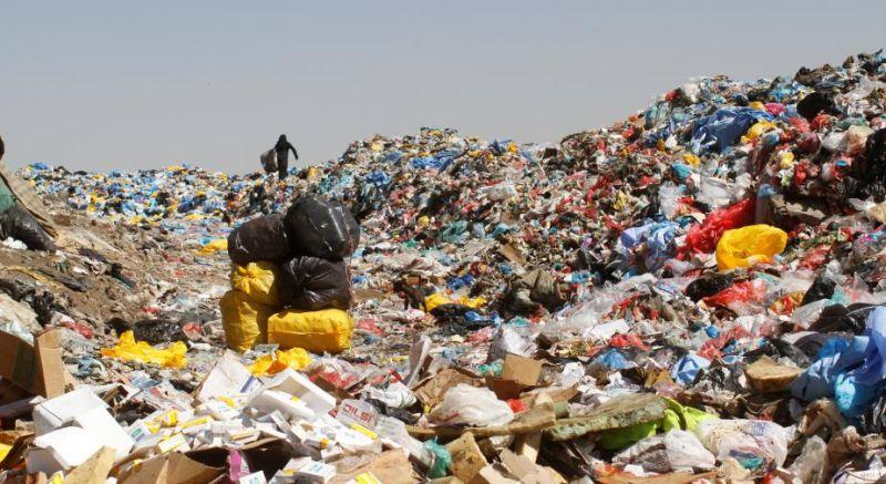 https: img.okezone.com content 2018 12 03 525 1986109 ada-160-ton-sampah-plastik-setiap-harinya-di-bandung-kebanyakan-dari-toko-ritel-q3Se359xcB.jpg