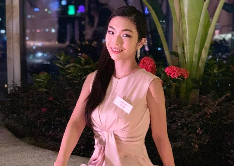 https: img.okezone.com content 2018 12 05 194 1987263 5-potret-gaya-feminin-kanako-date-miss-world-jepang-keturunan-legenda-samurai-xft0gOChYH.jpg