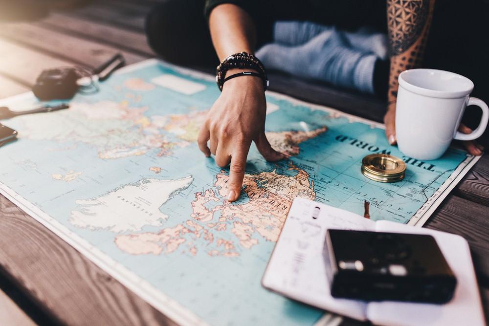 https: img.okezone.com content 2018 12 05 406 1987396 tips-penting-saat-mempersiapkan-liburan-ke-luar-negeri-I6hKSPTaGJ.jpg