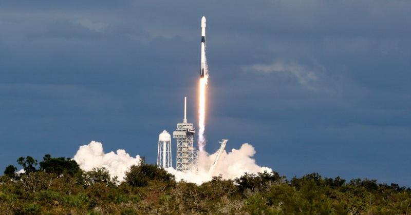 https: img.okezone.com content 2018 12 05 56 1987042 cetak-rekor-spacex-luncurkan-64-satelit-sekaligus-ego0Qhcmge.jpg