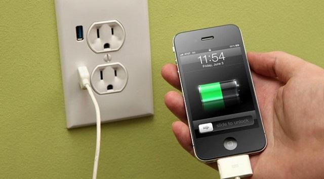 https: img.okezone.com content 2018 12 05 92 1987270 3-tips-charging-agar-ponsel-anda-awet-f3LhuvtDAn.jpg