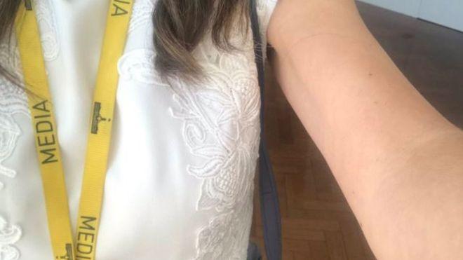 https: img.okezone.com content 2018 12 06 18 1987526 ketika-jurnalis-perempuan-diusir-dari-parlemen-karena-baju-tanpa-lengan-hVjN2dzum7.jpg