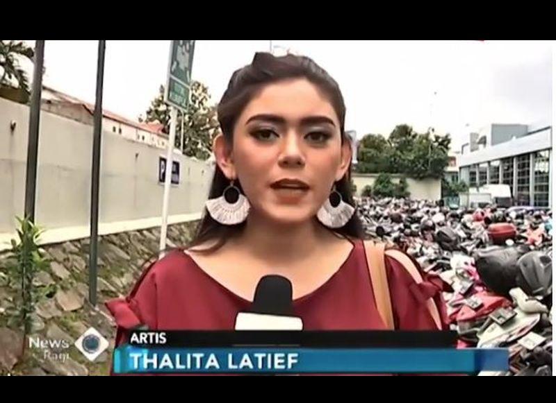 https: img.okezone.com content 2018 12 07 33 1987991 tips-thalita-latief-sebelum-menerima-endorse-kosmetik-Tigvhh26Al.JPG