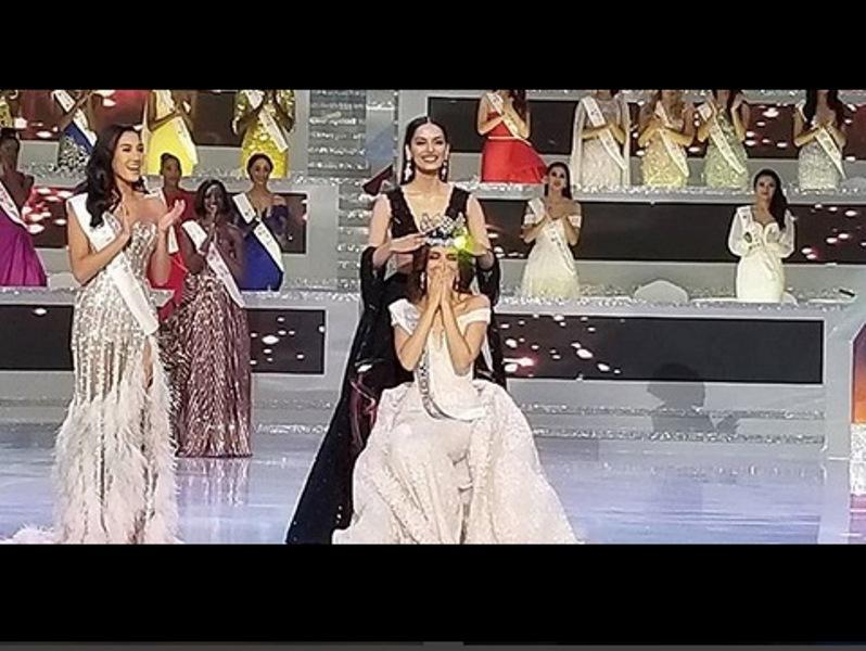 https: img.okezone.com content 2018 12 09 194 1988854 curhat-manushi-chhillar-setelah-berikan-mahkota-miss-world-ke-vanessa-ponce-ocrG1XP7bG.jpg