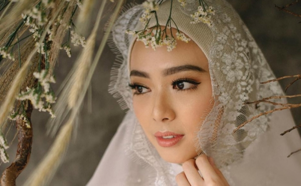 Tips Hijab untuk Pemilik Wajah Oriental seperti Lindswell Kwok
