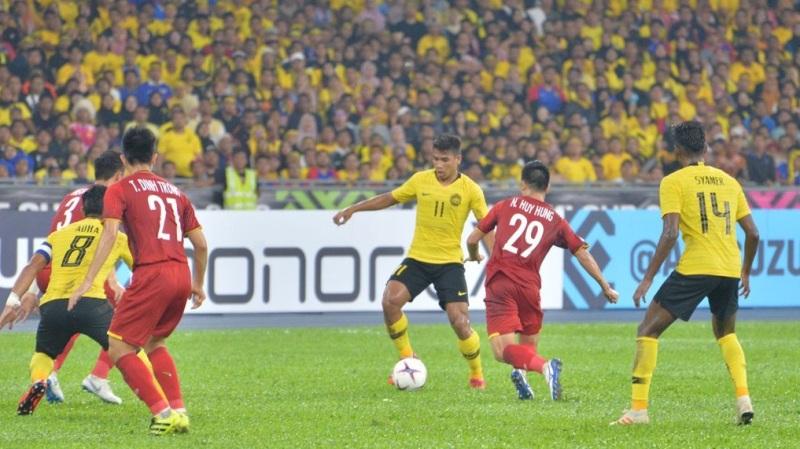 https: img.okezone.com content 2018 12 11 51 1989932 malaysia-tertinggal-1-2-dari-vietnam-di-babak-pertama-5oq9r8lNIv.jpg