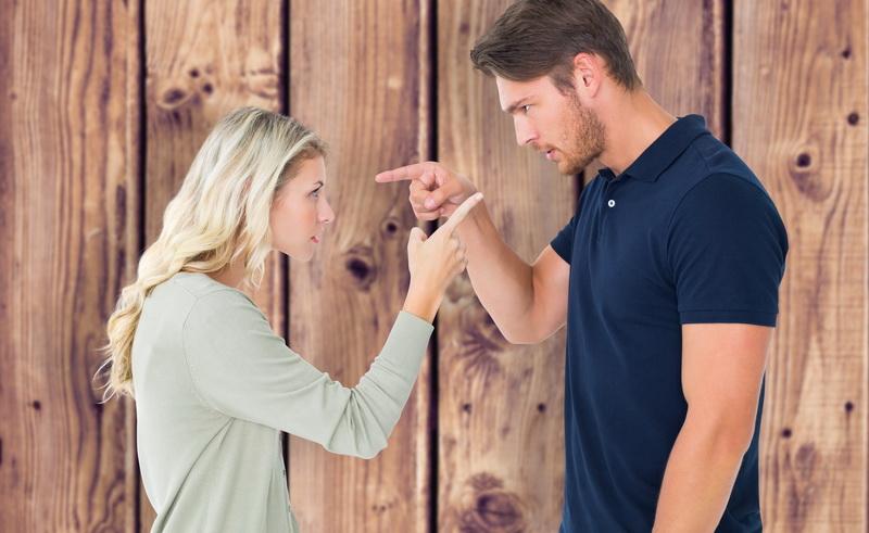 Anda dapat memilih untuk memberitahu pasangan yang sebenarnya, atau memutuskan untuk menyembunyikannya.