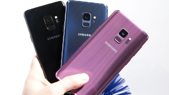 https: img.okezone.com content 2018 12 15 57 1991685 mirip-iphone-xr-galaxy-s10-versi-murah-hadirkan-warna-baru-2I1QJXZovK.jpg