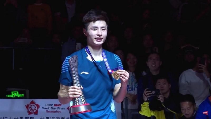https: img.okezone.com content 2018 12 16 40 1992027 libas-momota-shi-yuqi-juara-tunggal-putra-bwf-world-tour-finals-2018-m9FsrEEvDf.jpg