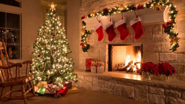 https: img.okezone.com content 2018 12 17 196 1992601 cara-memasang-lampu-pada-pohon-natal-yang-benar-menurut-ahli-J0C0Y76Wwf.jpg