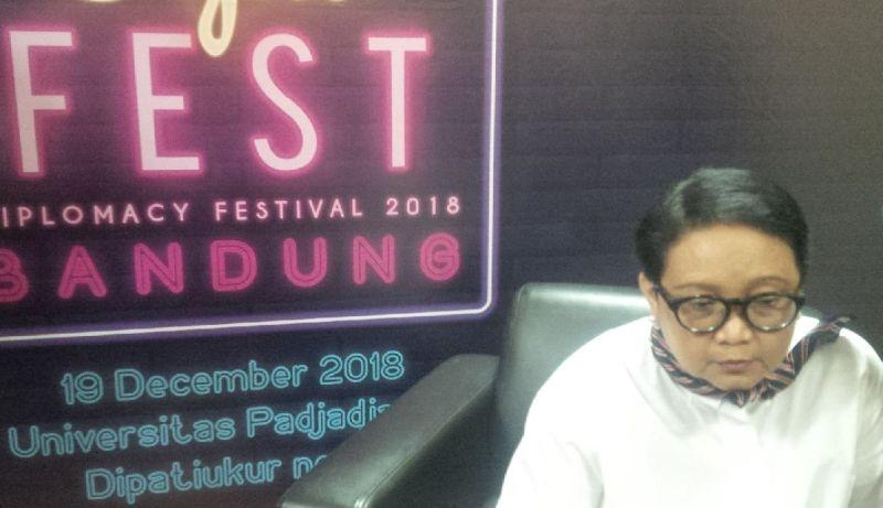 https: img.okezone.com content 2018 12 19 18 1993496 gelar-diplomacy-festival-2018-menlu-retno-harap-masyarakat-paham-politik-luar-negeri-FCJVEB0FRZ.jpg