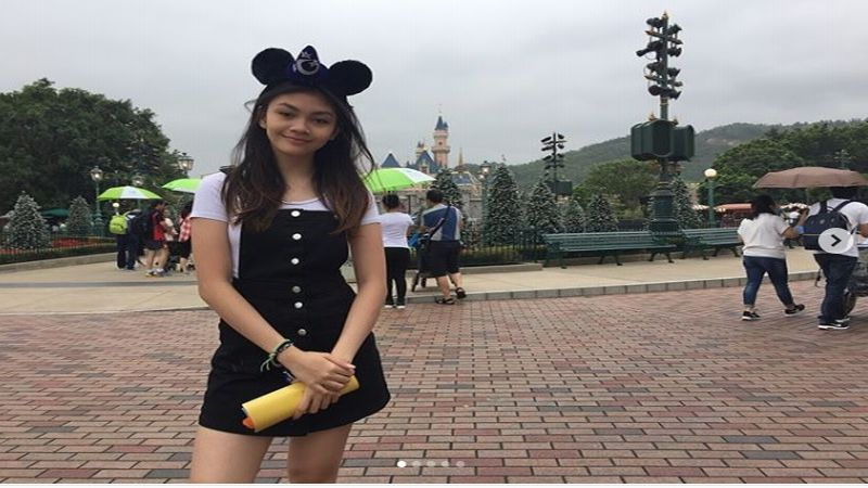 https: img.okezone.com content 2018 12 20 196 1994047 jadi-miss-popular-skate-bangkok-2018-intip-pesona-sasikirana-anak-anjasmara-s6NpaPpzRd.jpg