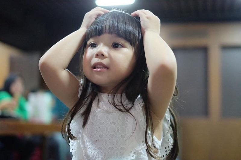 https: img.okezone.com content 2018 12 22 33 1994679 lucunya-gaya-gempi-ketika-kekenyangan-vHCInxvbhV.jpg