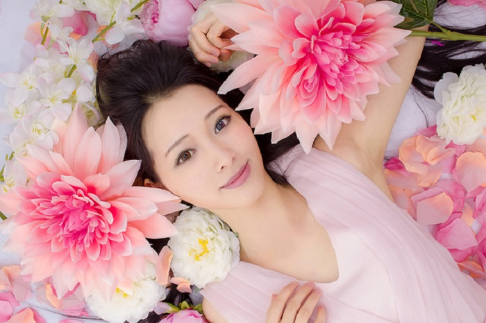 https: img.okezone.com content 2018 12 25 611 1995619 8-cara-agar-punya-kulit-cantik-seperti-wanita-korea-beda-tipis-dengan-idol-k-pop-mOJyo9agYt.jpg