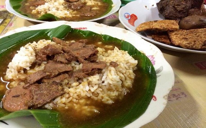Goyang Lidah Nasi Gandul Sambal Cumi Asin Petai Untuk