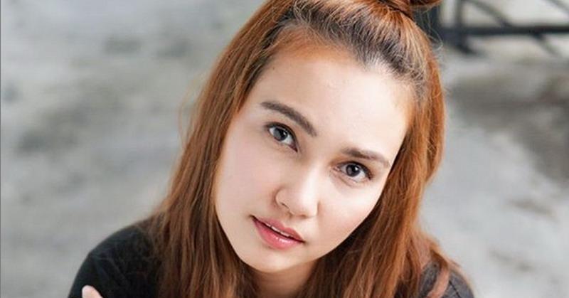 https: img.okezone.com content 2018 12 27 33 1996618 jadi-nenek-muda-feby-febiola-unggah-foto-cucu-KuHwAyymkL.jpg