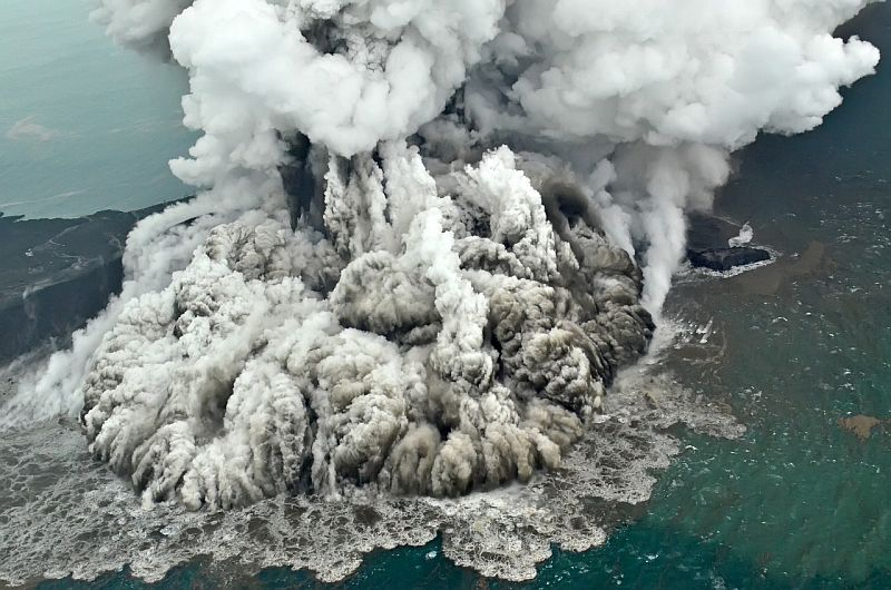 https: img.okezone.com content 2018 12 30 337 1997693 21-gunungapi-berstatus-di-atas-normal-gunung-sinabung-awas-2-gunung-di-sulut-siaga-oJ6y0nbAPF.jpg