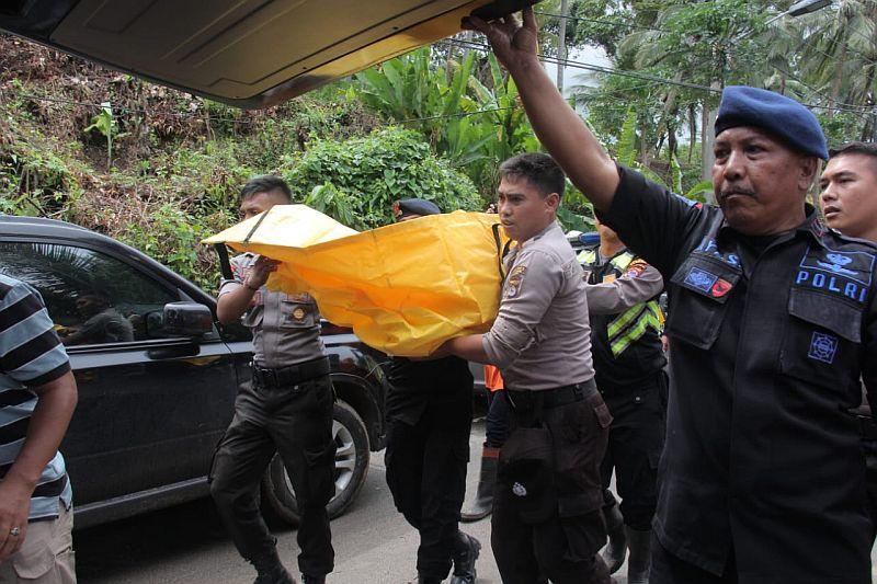 https: img.okezone.com content 2019 01 01 340 1998543 8-jenazah-korban-tsunami-banten-belum-teridentifikasi-OTearksV5Q.jpg