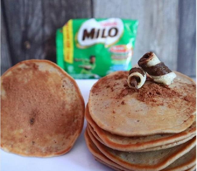 https: img.okezone.com content 2019 01 03 298 1999454 resep-camilan-enak-pancake-milo-dan-es-susu-choki-choki-yuk-cobain-4w9WOsbxU3.jpg