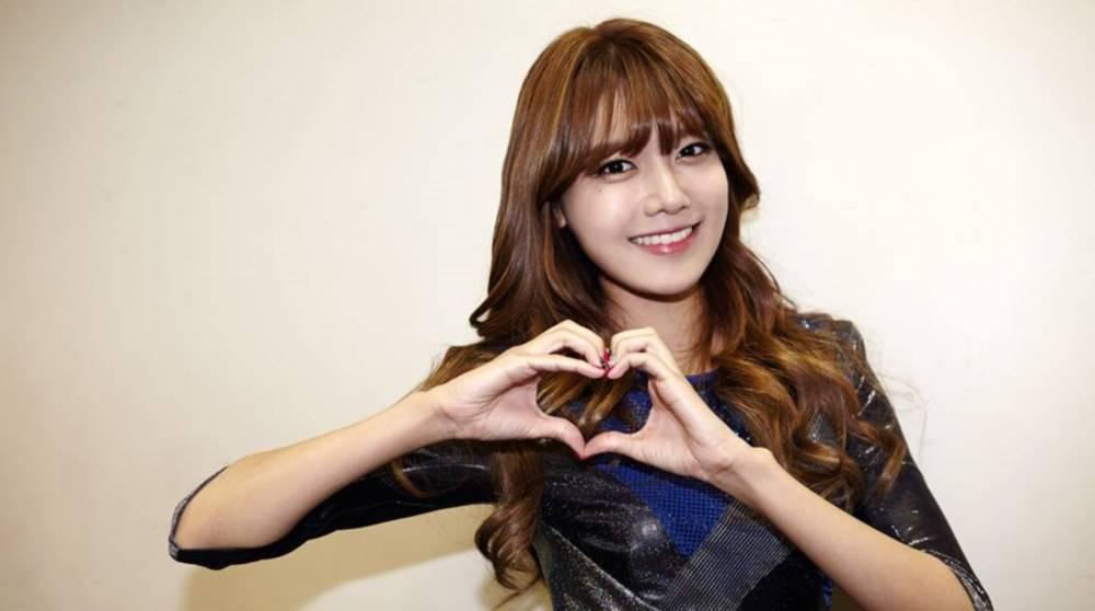 https: img.okezone.com content 2019 01 04 33 2000042 yuri-ungkap-ciuman-pertama-sooyoung-snsd-jGUbkOuJZf.jpg