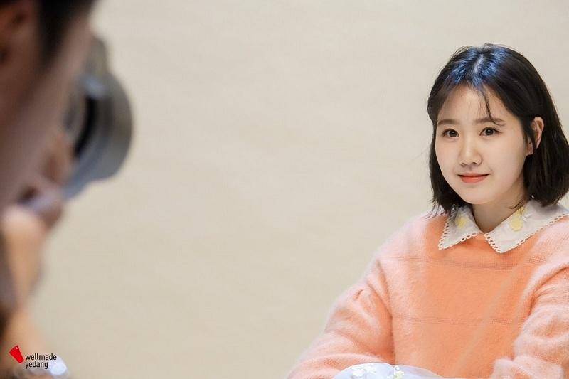 https: img.okezone.com content 2019 01 05 33 2000228 dituding-lakukan-oplas-mantan-aktris-cilik-jin-ji-hee-beri-klarifikasi-2w92f1Qb19.jpg