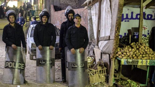 https: img.okezone.com content 2019 01 06 18 2000618 polisi-mesir-tewas-saat-menjinakan-bom-di-dekat-gereja-koptik-hmI87JLbKG.jpg