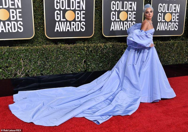 https: img.okezone.com content 2019 01 07 194 2000908 golden-globe-2019-siapa-peroleh-best-dressed-Kt5EAqcZfr.jpg