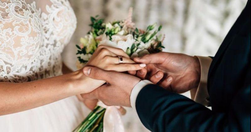 https: img.okezone.com content 2019 01 07 196 2001086 5-tren-pernikahan-yang-bakal-booming-di-2019-2EkAnjyFPR.jpg