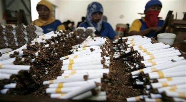https: img.okezone.com content 2019 01 07 320 2000888 produk-tembakau-alternatif-perlu-fatwa-mui-SpSHoECzaN.jpg