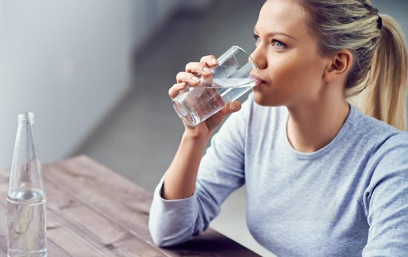 itu pertanda Anda minum terlalu banyak air dalam rentang waktu terlalu pendek.