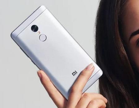 https: img.okezone.com content 2019 01 07 92 2001158 baru-beli-smartphone-android-perhatikan-7-hal-ini-qUuOHKlnFR.jpg