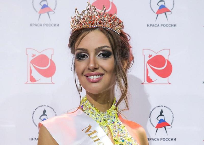https: img.okezone.com content 2019 01 09 196 2002064 istri-sultan-muhammad-v-oksana-voevodina-dikabarkan-hamil-U1EsjTrt5J.jpg