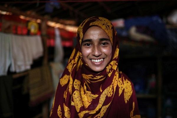 https: img.okezone.com content 2019 01 10 18 2002375 perjalanan-formin-akter-gadis-pengungsi-rohingya-yang-sukses-jadi-mahasiswa-di-bangladesh-99Etv8Qlqp.jpg