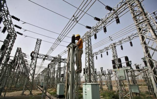 https: img.okezone.com content 2019 01 10 320 2002689 seluruh-desa-di-indonesia-ditargetkan-teraliri-listrik-pada-2019-nptG0V1Z2W.jpg
