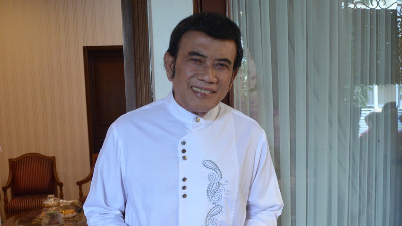 https: img.okezone.com content 2019 01 10 33 2002323 rhoma-irama-ustadz-arifin-ilham-akan-dibawa-ke-malaysia-b1imC3qr7H.jpg