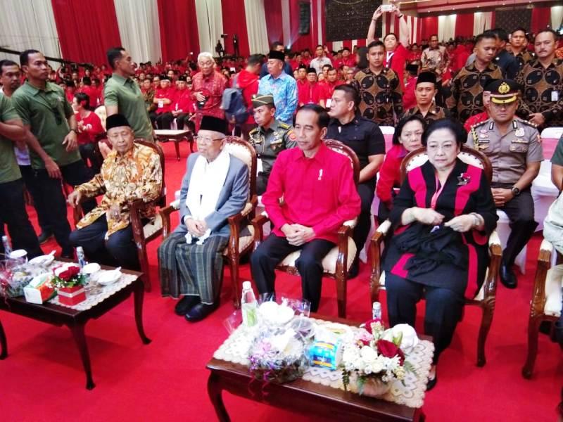 https: img.okezone.com content 2019 01 10 337 2002554 jokowi-aset-terbesar-indonesia-adalah-kerukunan-persaudaraan-dan-persatuan-zjEVrJfFWm.jpg