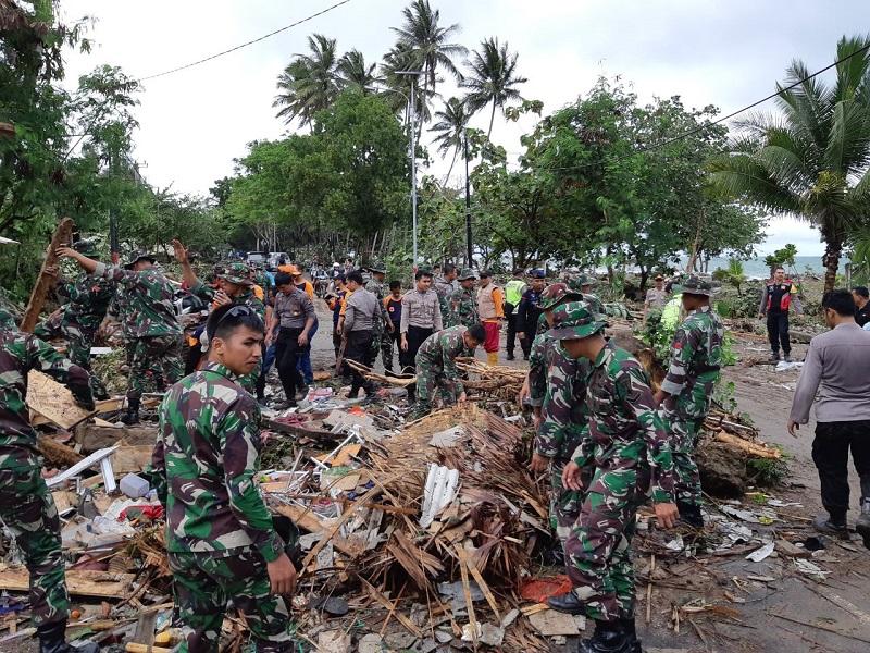 https: img.okezone.com content 2019 01 10 406 2002801 kemenpar-siapkan-23-kegiatan-untuk-recovery-pariwisata-di-daerah-tidak-terdampak-tsunami-1IfmR2F5h7.jpg