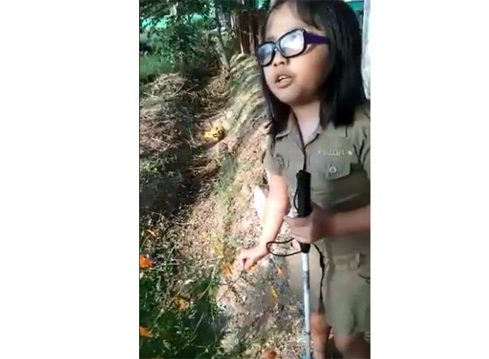 https: img.okezone.com content 2019 01 11 512 2003111 video-carrissa-bocah-tunanetra-bikin-lagu-ingin-bertemu-ganjar-pranowo-viral-uWYm8qcI35.jpg