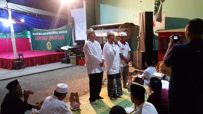 https: img.okezone.com content 2019 01 11 606 2002947 caleg-perindo-adakan-istigosah-doakan-kemenangan-partai-dan-keamanan-indonesia-0g4TRm1G03.jpg