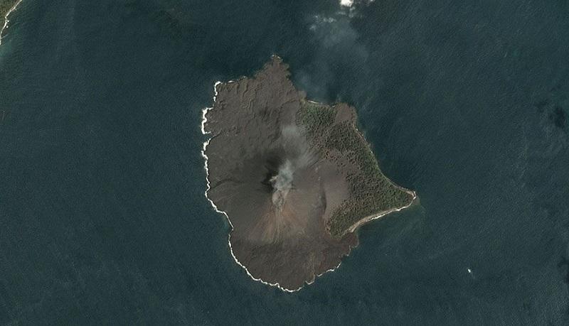 https: img.okezone.com content 2019 01 12 337 2003590 aktivitas-anak-krakatau-alami-penurunan-asap-kawah-terlihat-putih-setinggi-100-m-dpFLKFTs01.jpg