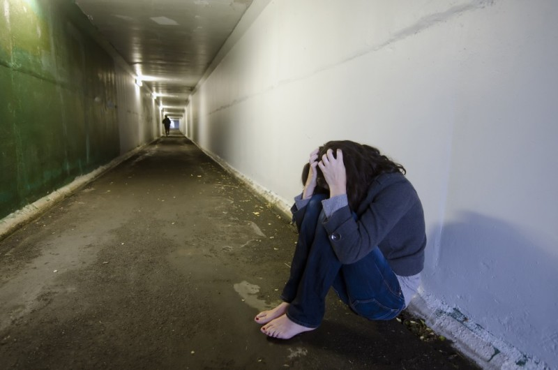 https: img.okezone.com content 2019 01 13 340 2003867 gadis-remaja-yang-disekap-disetubuhi-alami-trauma-berat-0Vv4q9OuJ1.jpg