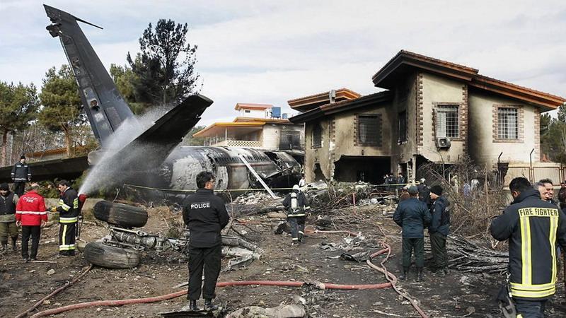 https: img.okezone.com content 2019 01 14 18 2004374 15-tewas-dalam-kecelakaan-pesawat-boeing-707-militer-iran-Qn1GOY2lUd.jpg