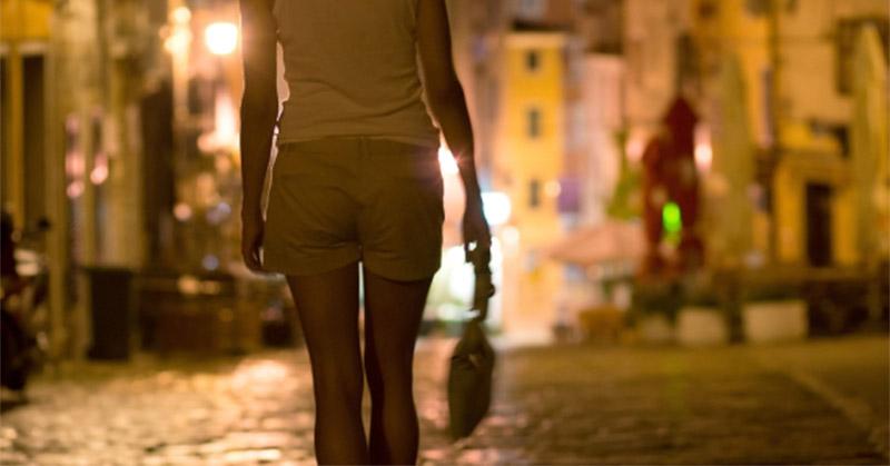 https: img.okezone.com content 2019 01 14 519 2004270 kamis-dua-artis-akan-penuhi-panggilan-polisi-terkait-prostitusi-online-f7VunspR5r.jpg