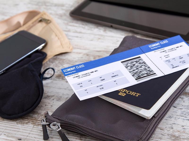 https: img.okezone.com content 2019 01 15 406 2004969 menilik-harga-tiket-pesawat-domestik-yang-dikabarkan-naik-sHWRSFNo9H.jpg