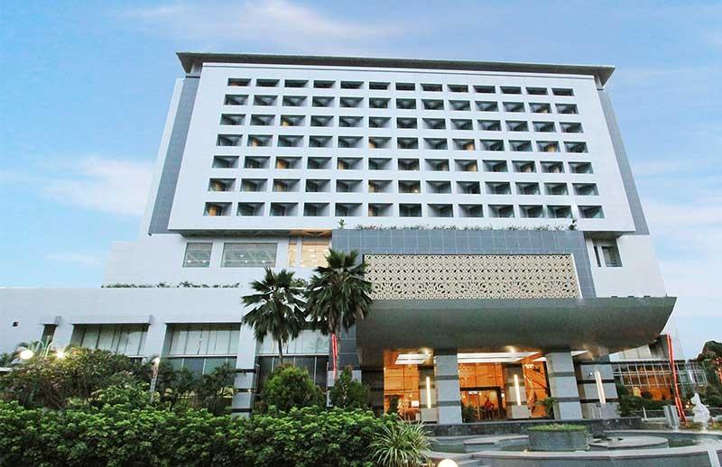 https: img.okezone.com content 2019 01 17 196 2005855 menurut-feng-shui-benarkah-hotel-bidakara-angker-zp6UYsJjTX.jpg