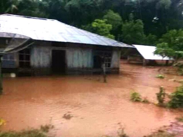 https: img.okezone.com content 2019 01 19 340 2006618 4-rumah-hanyut-diterjang-banjir-di-desa-supun-ntt-h7Ca7GYdoK.jpg