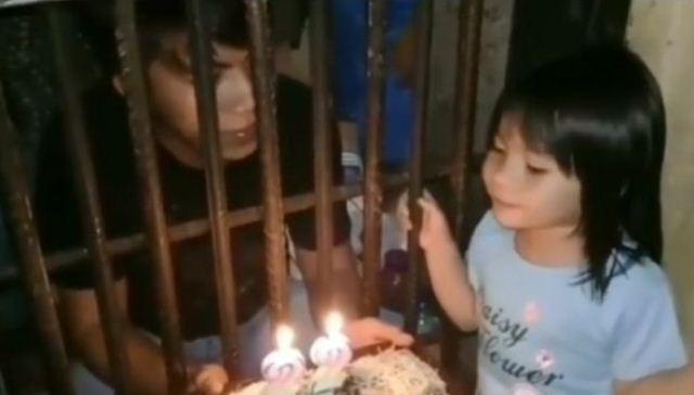 Viral Anak Rayakan Ulang Tahun Ayahnya Di Penjara Warganet Dibuat Pilu Okezone Nasional