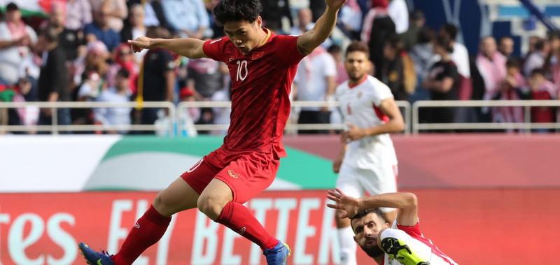 https: img.okezone.com content 2019 01 21 51 2007227 usai-dikalahkan-evan-dimas-dkk-sepakbola-vietnam-bangkit-eMpRjMYGYP.jpg