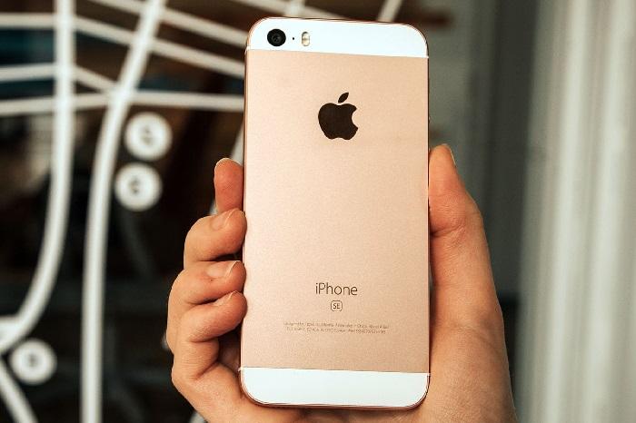 https: img.okezone.com content 2019 01 22 57 2007668 iphone-se-dijual-kembali-dengan-harga-lebih-murah-rOYnlmsi41.jpg
