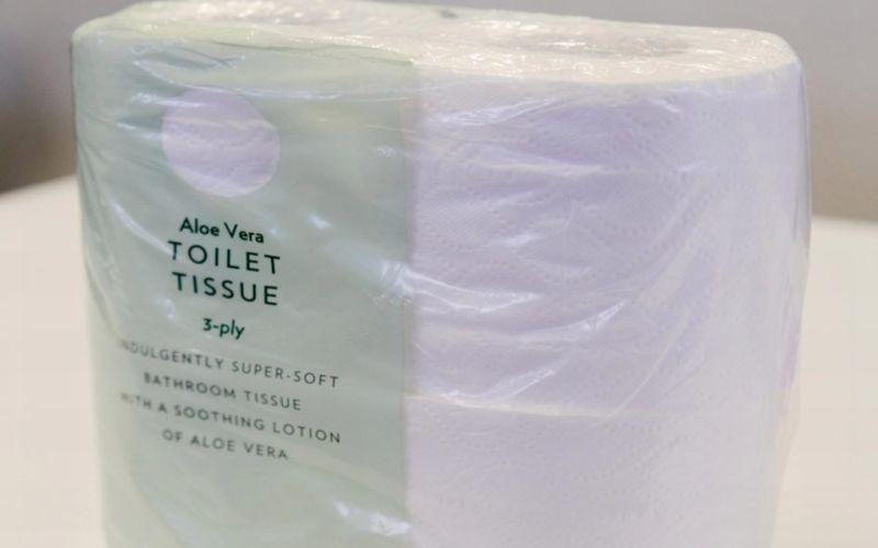https: img.okezone.com content 2019 01 25 196 2009268 viral-tisu-toilet-berlafadz-allah-netizen-auto-hujat-marks-spencer-MERsLaFMKu.jpg
